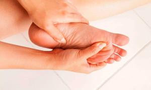 Мозоли на пальцах ног — причины возникновения, способы лечения
