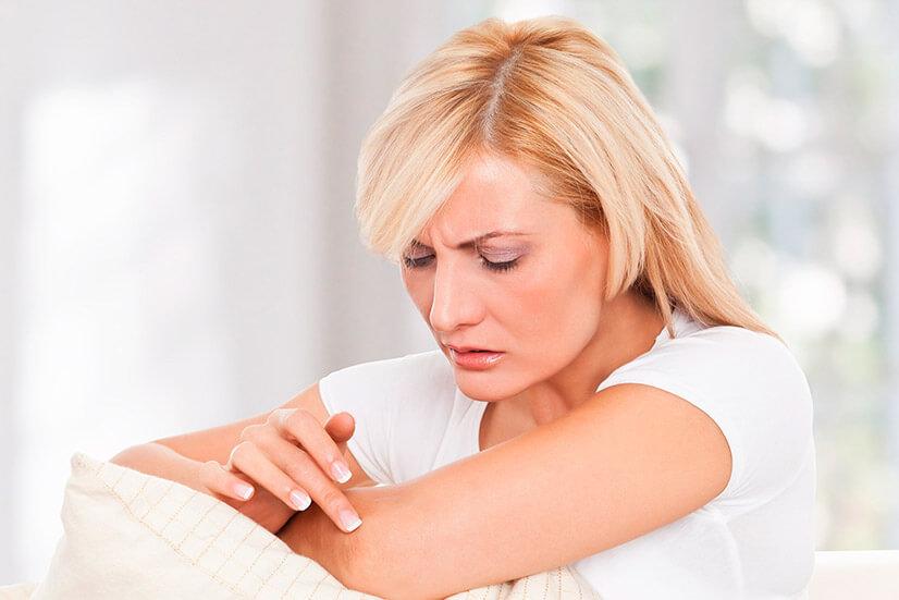 Крапивница у взрослых - причины, симптомы, лечение