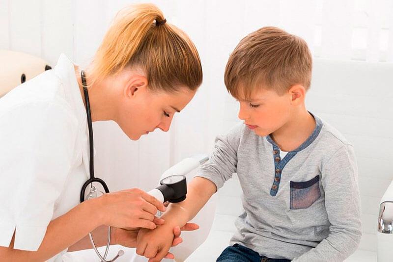 Применение эмолентов при атопическом дерматите у детей